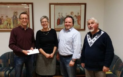 Liedertafel Furth übergibt Spende vom Weihnachtskonzert