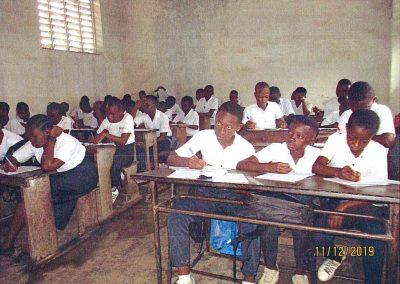 Kongo: Computer für Maristen-Institut in Kisangani